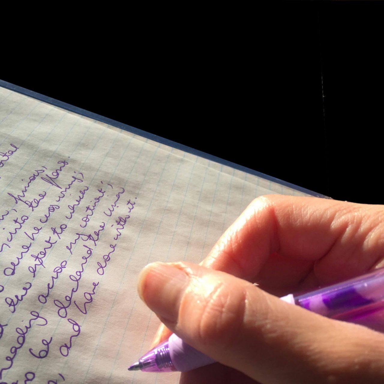 Schüler lernen Schreibschrift